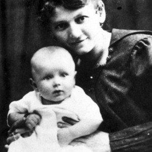 PHOTO: EAST NEWS/LASKI DIFFUSION KAROL WOJTYLA ZMATKA EMILIA ZKACZOROWSKICH, 1920
