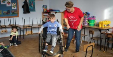Co zrobić, byzrozumieć, jak wygląda dzień niepełnosprawnego dziecka?   Wczuć się wjego rolę!