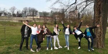 Uczniowie klasy VIII naDniach Otwartych boguchwalskiego LO